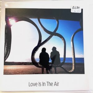 Art Card – Love is in the air